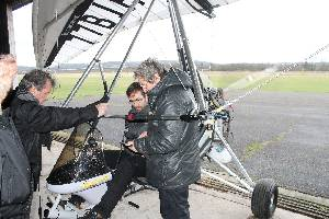 Opération dans le hangar - 812.5ko